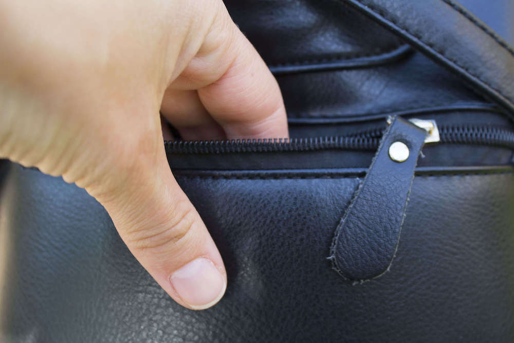 Do Cobblers Fix Handbags