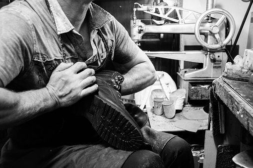 Shoe Repair in Culver City:Getting your shoes to you perfectly